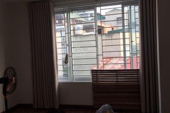 Cho thuê nhà quan nhân dt 60m2*4 tầng oto đỗ cửa, nhà mới thích hợp làm vp, cty, kinh doanh...