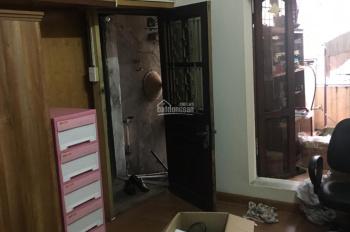 Cho thuê nhà riêng tại Phố Huế 45m2 x 2PN có điều hòa, nóng lạnh, giá 5tr/th, LH: 0978685735