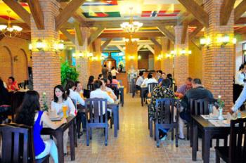 Cho thuê nhà phố hot Vũ Tông Phan, 420m2, MT 13m