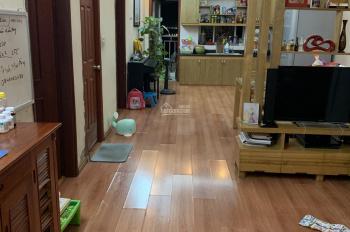 Bán căn hộ chung cư 2 phòng ngủ, 2 nhà vệ sinh, DT 83m2, ở 282 Lĩnh Nam, Hoàng Mai. LH 0908023555