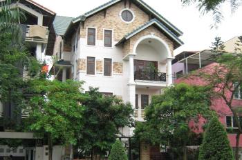 Bán biệt thự 122 Phổ Quang, p9, q. Phú Nhuận, DT 7m x 18m, nhà cực đẹp 3 lầu, đối diện khu Novaland