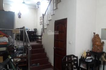 Cho thuê nhà riêng 38m2x4 tầng có 2 phòng ngủ ngõ Chợ Khâm Thiên, full đồ 8tr/th. LH: 0978685735