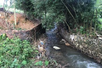 Cần bán 5000m2 đất làm nhà vườn Yên Bình, có suối, có ao, giá 360tr/1 sào. LH 0971274648