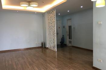 Cần bán gấp căn hộ tầng đẹp, dt 78,3m2, CT2 chung cư Hà Đô 183 Hoàng Văn Thái. Sổ đỏ chính chủ.