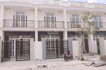 Bán nhà mặt tiền Trần Văn Mười, ngã tư giếng nước Hóc Môn