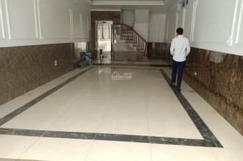 Nhà đẹp mặt đường Phạm Văn Đồng, 60m2 x 7 tầng cần bán (có thang máy) - LH: 0979165445