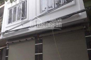 CC bán nhà đẹp ngõ 67 phố Giáp Bát, Hoàng Mai, HN, DT 40m2 x 5 tầng, giá 3,35 tỷ. LH CC 0932384886