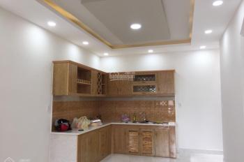 Cần bán gấp căn nhà phố đường Võ Văn Hát, P. Long Trường, Q9, giá 3 tỷ 1, liên hệ: 0918102161