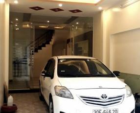 Cần bán gấp nhà 45m2 x 5 tầng ở Bồ Đề, Long Biên (cách cầu Chương Dương 100m). Giá 5 tỷ