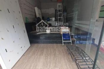 Cho thuê mặt bằng kinh doanh Xuân Thủy, Cầu Giấy. DT 80m2, MT 4,2m, giá 32tr/th, LH 098 108 2124