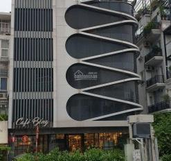 Chính chủ bán nhà mặt phố Âu Cơ, vị trí tuyệt đẹp, kinh doanh buôn bán thuận tiện và ở. 0944141593