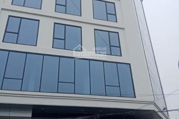 Cho thuê tòa nhà mặt phố Trần Đăng Ninh, 180m2 x 8 tầng, MT 13.5m, thang máy, thông sàn. 250tr/th