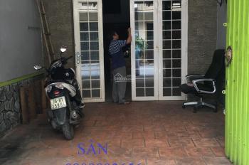 Cho thuê nhà đường Phan Văn Trị, gần Emart, 4tầng, 3phòng ngủ, HXH 23tr/th