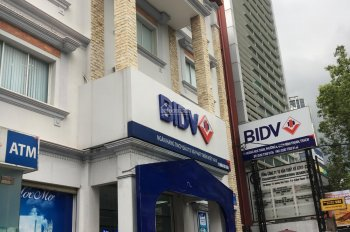 Tôi cần bán thửa đất Đường Lam Sơn, Bình Thạnh, 8x22m CN 160m2 thích hợp tòa nhà văn phòng