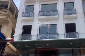 Cho thuê nhà riêng tại Đặng Văn Ngữ, 105m2 x 6.5T, có thang máy, nhà đẹp, giá 65 tr/th