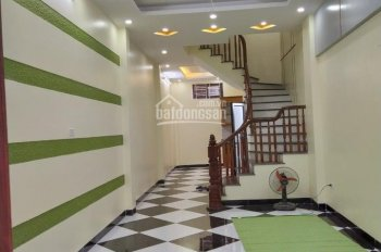 0979691189, chính chủ bán gấp nhà ngõ 44, Trần Thái Tông, 32m2, 5 tầng, 7 PN, giá 2.7 tỷ