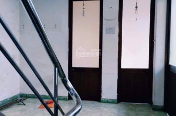 Cho thuê nhà 4 tầng đường Nguyễn Chí Thanh, Hải Châu, Đà Nẵng, MT 8m, giá 25 tr/tháng. 0983.750.220