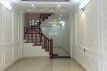 Bán nhà ngõ 279 Đội Cấn, nhà mới đẹp, ngõ rộng ô tô con đỗ cửa, DT 46m2x5T, giá 5.7 tỷ