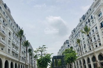 Bán khách sạn 8 tầng nằm ngay cửa ngõ đón khách du lịch Hạ Long, bãi tắm Bimgroup, LH: 0975.995.114