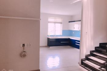 Cần cho thuê nhà mặt tiền phố Nguyễn Hữu Thọ, Phước Kiển, Nhà Bè. Giá thuê: 30 triệu/tháng