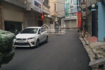 Cho thuê nhà 34m2, 3T số 70 phố Cù Chính Lan, giá thuê 15 triệu/th. LH 0961116501