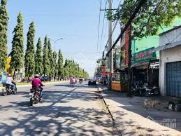 Cần bán đất lớn DT ngang 14m mặt tiền đường Nguyễn Văn Cừ nối dài, thổ cư 100%, khu sầm uất