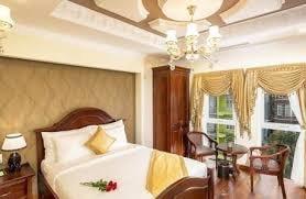 Bán gấp khách sạn 5 sao trung tâm TP Đà Lạt, DT 23m x 15m, 2 tầng hầm 6 tầng nổi 46 phòng KD