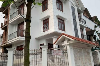 Cho thuê nhà BT Mễ Trì Thượng, 180m2 * 4 tầng, nhà mới đẹp, giá 30 triệu/th