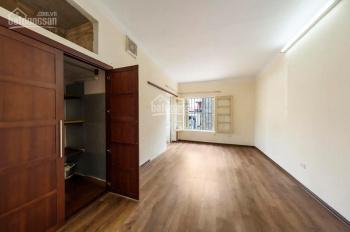 Bán căn hộ TT 10 Ngọc Hà, Quận Ba Đình, HN, Giá: 2,35 tỷ, diện tích: 100m2 căn góc 3 mặt thoáng