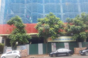 Bán nhà mặt phố Trần Bình - giá 260tr/m2, xây 6 tầng và 1 tầng hầm, có thang máy. LH 0985505363