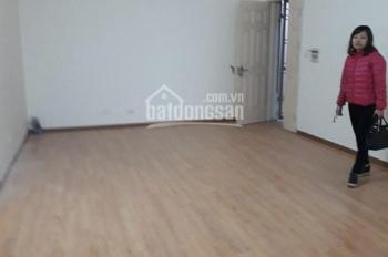 Tôi cần bán căn hộ CC Viện Bỏng, DT: 75m2, 2PN, giá 1.3 tỷ. LH 096 129 3466