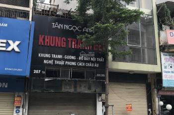 Cho thuê nhà mặt phố Nguyễn Trãi. DT 75m2 x 1,5 tầng. MT 4m. Giá thuê 40tr/th. Nằm đoạn đẹp nhất NT