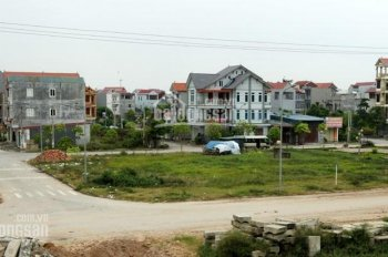 Vỡ nợ bán đất ngay MT đường Kênh Tân Hóa, Tân Phú, 2,1 tỷ 70m2, sổ cá nhân 100%. LH 0906452892