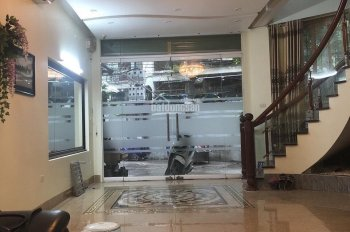 Tôi cần bán nhà phố Duy Tân, Cầu Giấy. DT 50m2 x 5T, MT 4m, ô tô 7 chỗ đỗ cửa, giá 9 tỷ