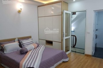 Chuyển công tác bán gấp căn nhà Vũ Tông Phan, Quận Thanh Xuân, giá 2 tỷ 2. LH: 0989678165