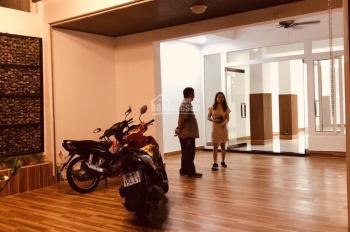 Xuất cảnh, cần cho thuê hoặc sang lại mặt bằng kinh doanh tại MT Cộng Hòa Q. Tân Bình