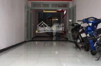 Cho thuê nhà hẻm hơi 796/8 Sư Vạn Hạnh, quận 10, call: 0936379771