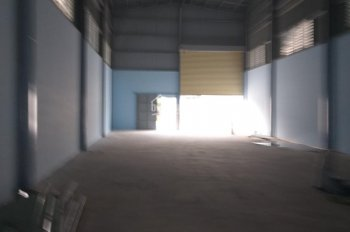 Cho thuê kho xưởng giá rẻ ở khu vực Bình Chánh 400m2, xe container ra vào được, 3 pha, thoáng mát