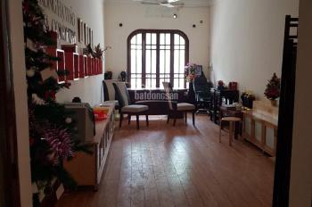 Chính chủ bán nhà mặt phố Quán Thánh dt 80m2, mt 3.7m, quận Ba Đình, Hà Nội, lh 0937986669