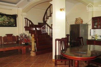 Cho thuê nhà riêng 50m2 x 4 tầng, 4PN, full đồ, Bồ Đề, Long Biên, giá 12tr/th. LH: 0971 598 653