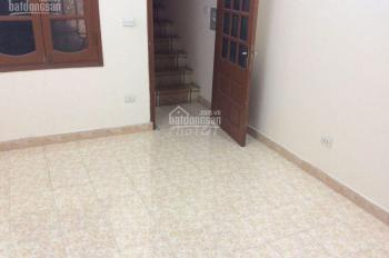 Cho thuê nhà riêng 5 tầng x 3PN tại phố Lò Đúc nhà sạch đẹp giá rẻ chỉ 9tr/th, LH: 0978685735