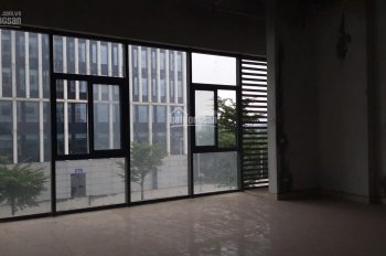 Cho thuê Shop chân đế 2,5 tầng Chung cư An Bình sát Bộ Công An kinh doanh tốt tổng DT: 184m2.