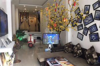 Cho thuê nhà mặt tiền đường 2/4 thích hợp làm VP, showroom, quán cà phê hoặc kinh doanh khác