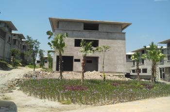 Rất cần tiền nên bán rẻ gấp căn biệt thự lô góc, có bể bơi, thoáng, vị trí đắc địa nhất dự án FLC