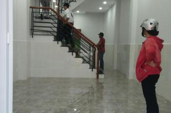 Nhà Phan Văn Trị: 4x12m, 2 lầu, ST, 4P, 3WC, nhà mới xây, giá 26tr/th