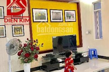 Cho thuê nhà trong hẻm đường Phan Văn Trị, Phường 11, Quận Bình Thạnh, DT: 4.5x18m, 1 trệt 3 lầu
