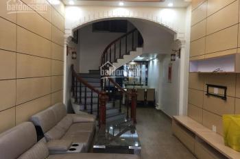Cho thuê nhà 4 tầng lô 22 Lê Hồng Phong, giá 20 - 25 triệu/tháng. LH: 0704197668