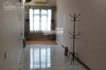 Chính chủ cho thuê nhà ngõ 130 Đốc Ngữ, ngõ rộng 8m ô tô thoải mái, 0966002506