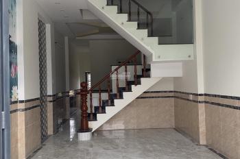 Bán nhà mặt tiền, DT 64m2, giá rẻ tại Bình Chuẩn, Thuận An. LH 0936977776