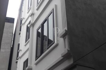 Bán nhà 5T x 40m2 sổ riêng phố Nguyễn Chính, HN, ngõ to, giá 2.4 tỷ. LH: 0984672358